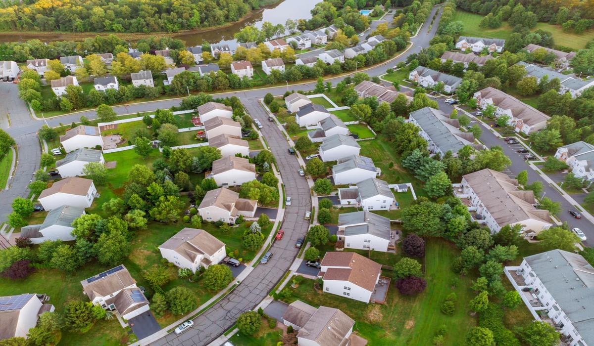 How to Write a Neighborhood Guide, Profile, or Brochure